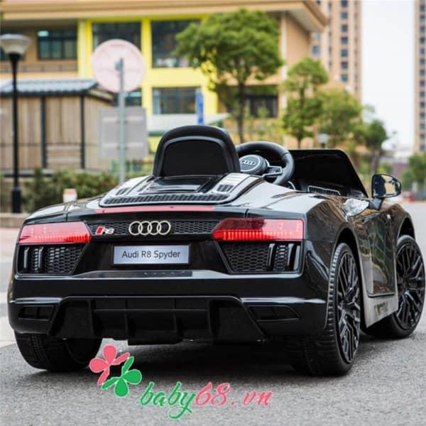 O To Dien Tre Em Ban Quyen Audi R8 (1)