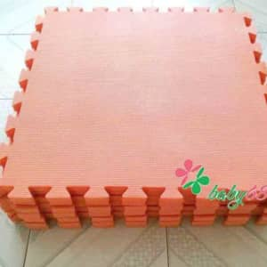 0020604 Tham Xop Mem Cho Be Mieng Roi 60cm X 60cm X 2cm