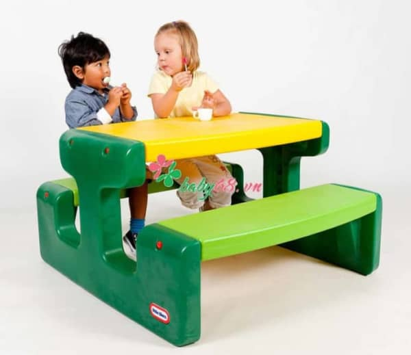 Large Picnic Table Evergreen 1